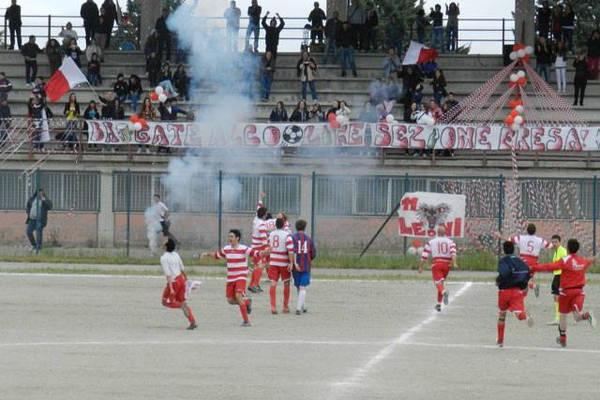 Festa di tifosi e giocatori fresani nel vittorioso campionato di Terza Categoria 2011-2012