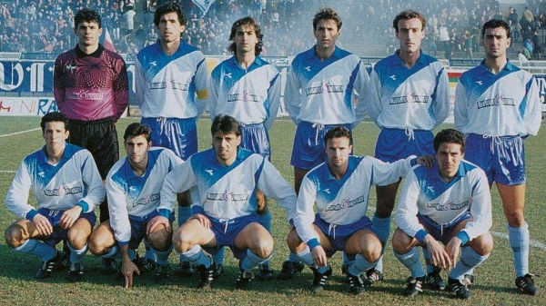 Bisci, in basso a sinistra, nel Matera 1991-92 (foto da Materacalciostory.it)
