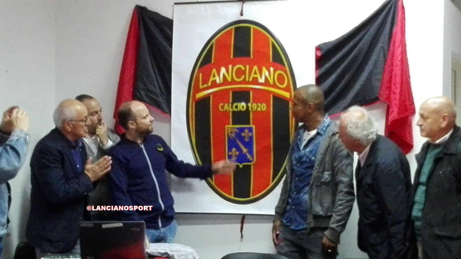 Ecco il Lanciano Calcio 1920: con l'assemblea allo stadio nasce il nuovo club rossonero
