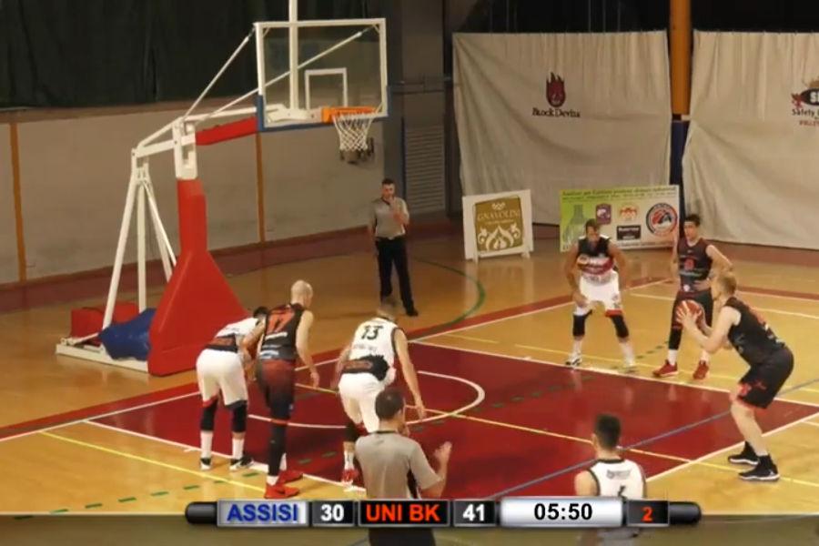 L'Unibasket espugna Assisi sul filo di lana: prima vittoria in C Gold per Lanciano