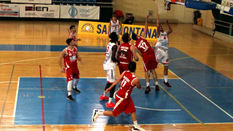 L'Unibasket supera l'Amatori sul filo di lana: primo acuto dei rossoneri 📸