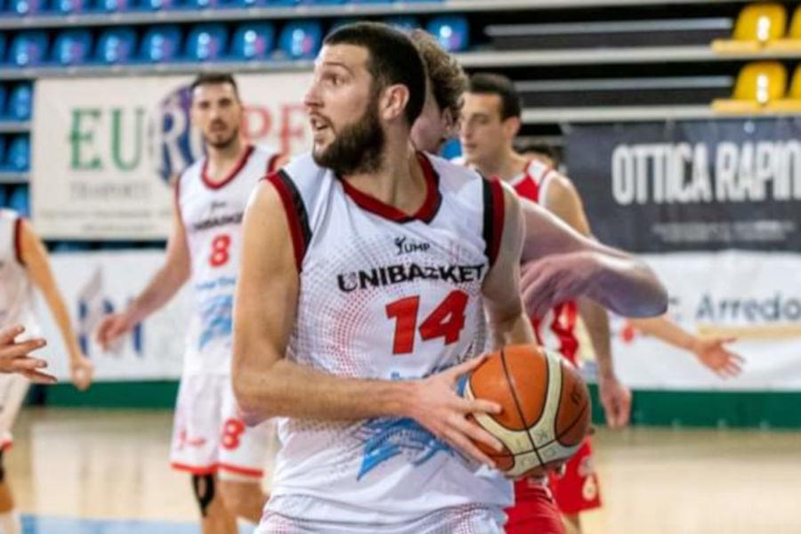 Munjić e Ucci trascinano l'Unibasket alla vittoria